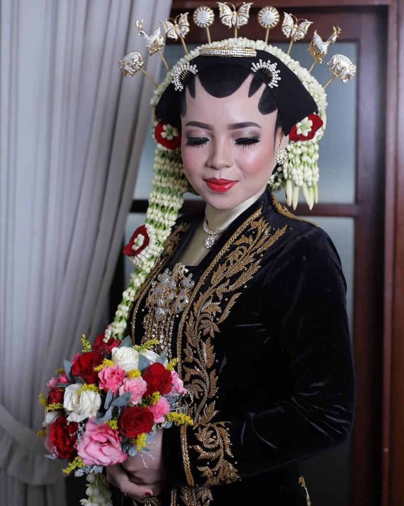 Wedding Jenis Solo Putri MUA Griyarias Rinukti